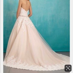 Allure wedding dress - discontinued style 9319
